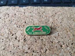 1 PINS PMU  BAR LE LONGCHAMP - Pin's & Anstecknadeln