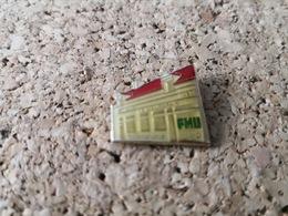 1 PINS PMU  BAR  LE MORANDAIS - Pin's & Anstecknadeln
