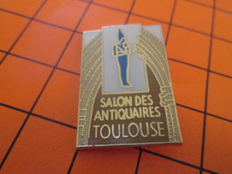 912a Pins Pin's / Rare & Belle Qualité  THEME VILLES / TOULOUSE SALON DES ANTIQUAIRES Pharaon Pas Anti-caire - Cities