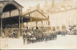 45 - ORLEANS - Carte Photo De Militaires Devant Les Halles - Orleans
