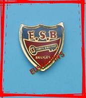 Pin's Rugby, Entente Sportive De BRUGES (aujourd'hui ESBB En Entente Avec BLANQUEFORT) Comité Directeur - Rugby