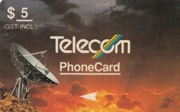 TARJETA TELEFONICA DE NUEVA ZELANDA, 1990 STANDARD SATELLITES, ANTENAS. Violet & Orange, 4NZLA, $5. G-011B. (050) - Neuseeland