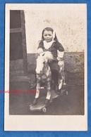 CPA Photo - YERRES - Beau Portrait D'une Petite Fille Sur Son Cheval De Bois - Photographe Mullard - Enfant Jouet Pose - Retratos