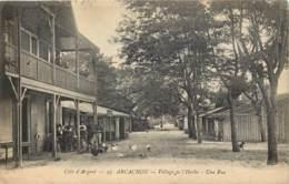 33 - ARCACHON - Village De L'HERBE - Une Rue - Arcachon