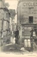 37 - CHINON - Crue De La Vienne - Rue Du Grenier à Sel Le 19 Fevrier 1904 - Coutelier Armurie - Chinon