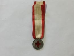 Medaglia Croce Rossa Italiana Scuola Infermiere Milano 1937 Argento 800. - Italia