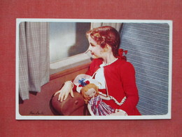 American Airline  Young Girl With Doll On Airplane -----    Ref 3403 - Advertising