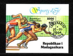 131f * MADAGASKAR BLOCK * SOMMERSPORT * GESTEMPELT ** !! - Madagaskar (1960-...)