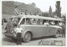Militaires Dans Un Car En Route Vers Les Pyrénées (Lourdes 1952) - Oorlog, Militair