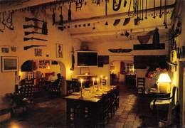 Les SAINTES-MARIES-de-la-MER - Manade De Cacharel Hôtel-Restaurant - Fusils - Télévision - Saintes Maries De La Mer