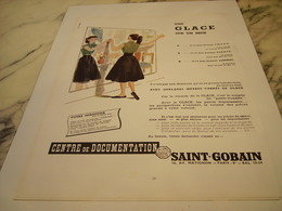 ANCIENNE PUBLICITE UNE GLACE SUR UN MUR  SAINT GOBAIN 1952 - Non Classificati