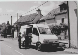 CPM 12 PRADES D'AUBRAC ... Passage Du Boulanger (Livenais VE060810) Fourgon Renault Trafic - Altri Comuni