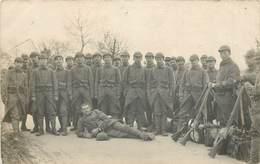CARTE PHOTO -  Chalons, Militaires 106em Régiment. - Manoeuvres