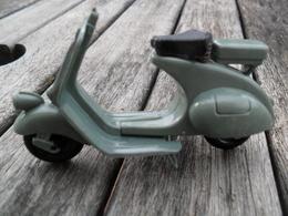 JOUET ANNEES 50 MOTO SCOOTER VESPA BS BEUZEN ET SORDET BE MANQUE GUIDON - Toy Memorabilia