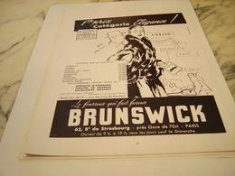 ANCIENNE PUBLICITE FOURRURE BRUNSWICK 1953 - Habits & Linge D'époque
