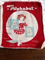 Livre En Tissu Pour Apprendre  A Lire Mon Alphabet (8 Pages De 18,5 Cm Sur 20 Cm) - Unclassified