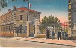 MILITARIA - 83 - HYERES : Caserne Vassoigne - Le Poste De Garde - CPA - Hautes Pyrenées - Barracks