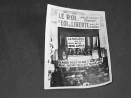 BELGIQUE QUESTION ROYALE 1950 - MANITESTATION A LA POPULAIRE A LIEGE - PHOTO ROBYN - Photographs