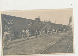 ROME ITALIE GUERRE DE 1914 GARE EMBARQUEMENT DES MILITAIRE PHOTO FORMAT CARTE POSTALE - War 1914-18