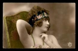FANTAISIES - FEMME - ANNEES 30 - Femmes