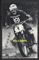 DF / MOTOS / FINLANDE / HEIKKI MIKKOLA , CHAMPION DU MONDE 1974 SUR HUSQVARNA - Motorbikes