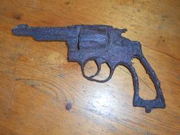 REVOLVER WW1 DE FOUILLE - Decorative Weapons