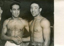 PHoto De Presse AGIP R Cohen Boxeurs Randolph Turpin Bat Alex Buxton Combat Boxe Harringay Arena Londres 13 Février 1952 - Sports