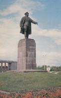 Postcard Leningrad Primorsky Park Statue Of S M Kirov My Ref  B13342 - Russia