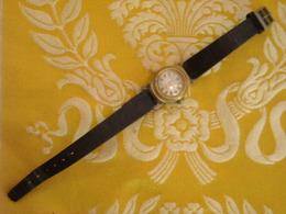Montre Bracelet De Marque ELIX , Mécanique , Avant 1960 , Non Testée - Montres Anciennes