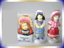 Trésors De Porcelaine ..Lot De 3 Fèves... Ref. AFF : 117-2005... (pan 0024) - Personnages