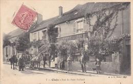 36. CLUIS. CPA . RUE DU PONT PAILLARD. ANIMATION DEVANT L'HOTEL DU POINT DU JOUR.  ANNÉE 1908 + TEXTE - France