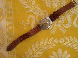 Montre Bracelet Sans Marque , Vers 1950 , Fonctionne - Montres Anciennes