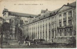 62 Arras N°50 B.D Musée Et Cathédrale Animée Femmes Enfants Landau Jet D'eau - Arras