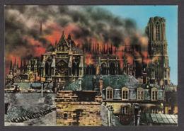 90936/ EGLISES, France, Cathédrale Notre-Dame De Reims, La Cathédrale Pendant L'incendie Du 19 Sept 1914, D'après Une Ph - Churches & Cathedrals