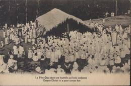 CPA La Fête Dieu Dans Une Humble Paillotte Coréenne Corée Corpus Christi In A Poor Corean Hut - Corée Du Nord