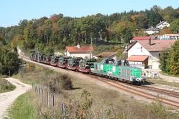 L'Hôpital-du-Grosbois. Locomotives BB 69481 Et 69440. Cliché Pierre Bazin. 10-10-2005 - Trains