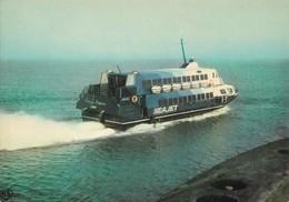 Dieppe Brighton Normandy Princess Hydroptère Construit Par Boeing (2 Scans) - Ships