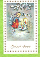 Petite Carte  Bonne  Année.  Jeune Enfant,  Paysage  Hivernal, Sapins  Trois Bougies, Un Oiseau - Neujahr