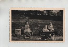 Photo Originale Attelage Enfants Jouet Tracteur Remorque  Chien - Fotos