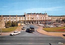 ANGOULEME - Place De La Gare - Autobus - Automobiles - Archives Combier - Existe Tirage Non Dentelé - Angouleme