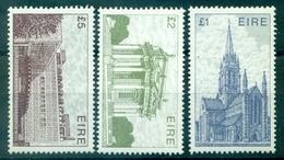 IRLANDE N° 492 + 574 + 660 N Xx Tb Cote :39 € (faciale:8 Livres ) - 1949-... Republic Of Ireland