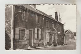CPSM GOMMERVILLE (Eure Et Loir) - La Grande Rue - Francia