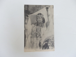 Femme Des Ouled-Nails. - Oran