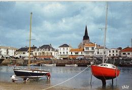 85 ..SAINT GILLES CROIX DE VIE .LE PORT DE SAINT GILLES .1975 ..BAR DU PORT ..BAR DE L'ATLANTIQUE ..MAGASIN CENDRILLON - Saint Gilles Croix De Vie