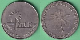 1981-MN-138 CUBA 1981 50c INTUR COCOTERO CUPRO NICKEL. - Cuba