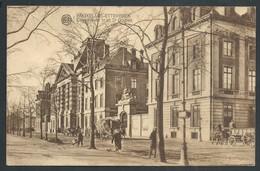 +++ CPA - BRUSSEL - BRUXELLES - ETTERBEEK - Caserne Du 1r Et 2e Guides   // - Etterbeek