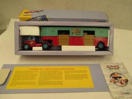 VOITURE - MINIATURE - 1/43 ? - CORGI - Camion Transport De Chevaux BEDFORD - Cirque - Peinture  Rouge Et Vert - Toy Memorabilia