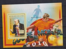 J244. Guinea - MNH - 2010 - Sport - Football - World Cup 2010 - Final - Bl - Timbres