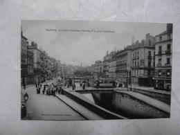 CPA 44 LOIRE ATLANTIQUE-NANTES : Scène Animée-Le Quai D'Orléans, L'Ecluse Et Le Quai Penthièvre - Nantes