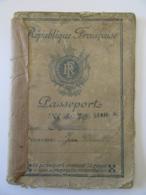 Guerre 39-45 Passeport Français Pour L'Allemagne Avec Visas Allemands - Délivré En 1943 - Etat Moyen - Documents